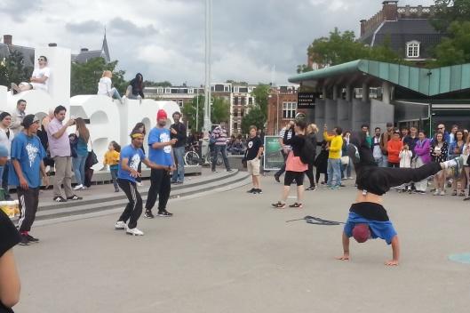 Street performers in Museumplein