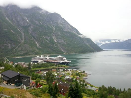 MS Koningsdam at Eidfjord